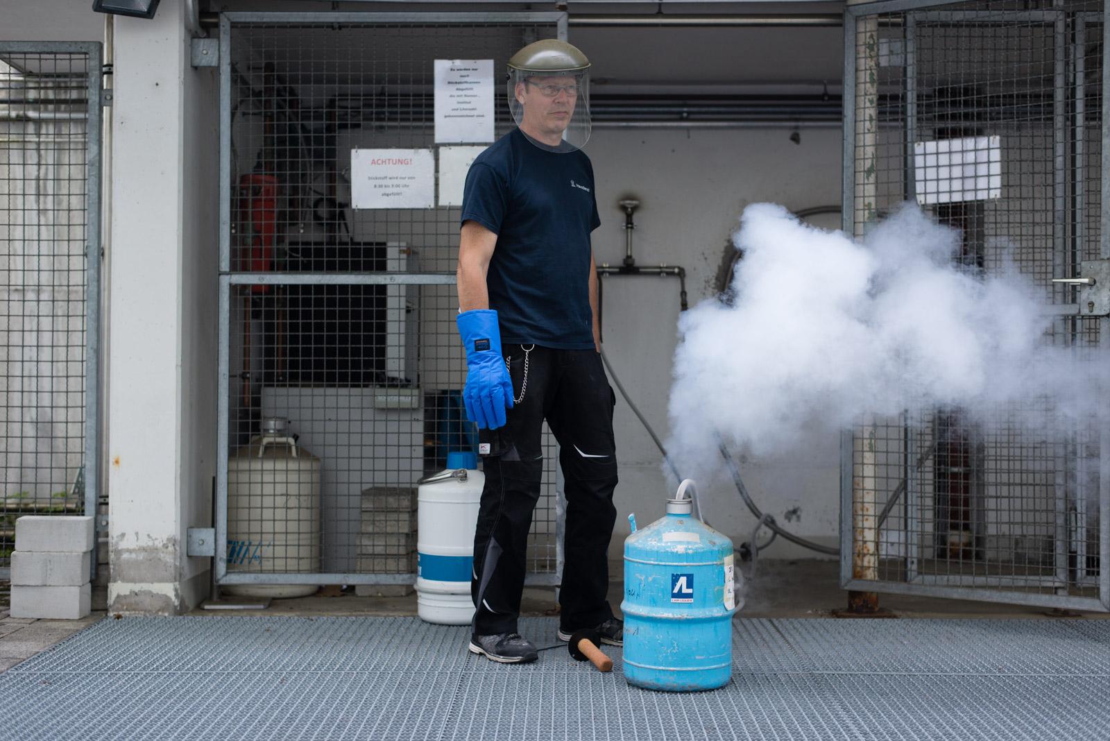 Aus Fass dampft der Stickstoffnebel