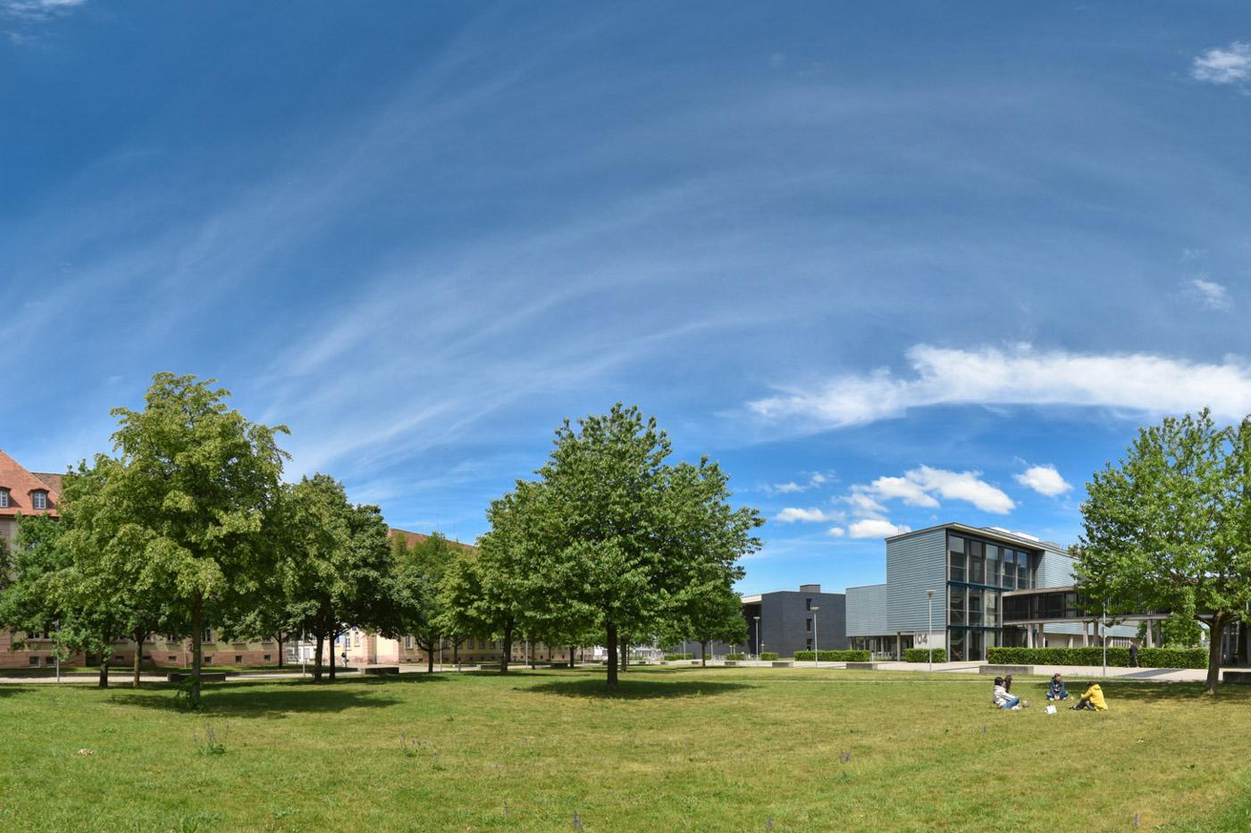 Grüner Campus in Technischer Fakultät