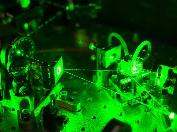 Versuchsaufbau in Physik, Laser